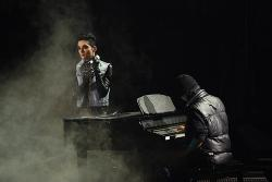 The postman -Tokio Hotel-  [Afgelopen]