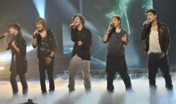 Vampire friends ~ One Direction [pauze]