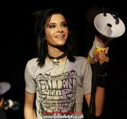 Foto bij Four - Bill Kaulitz I love you!