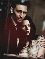 Foto bij 6. Tom Hiddleston & Scarlett Johansson